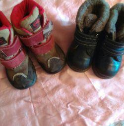 2 çift çocuk ayakkabı 21-22raz.