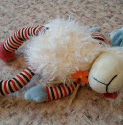 Мягкая игрушка Овечка поет песню