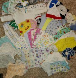 Συσκευασία των πραγμάτων για το νεογέννητο