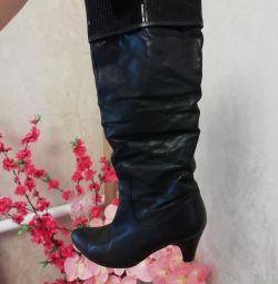 Γυναίκες φυσικές μπότες
