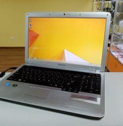 Notebook Samsung R530 i3 2nd / 4GB / 320GB / win8