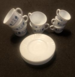 Set for tea and coffee 5 saucers and 8 cups