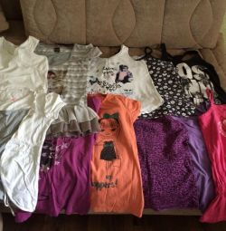 Sale of children's clothes for girls