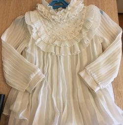Bluza pentru o fata de 3-4 ani