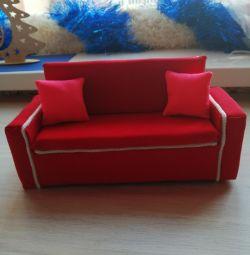 Canapea pentru păpuși