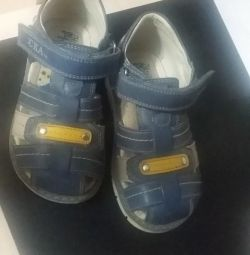 Sandale pentru copil