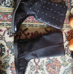 Boots autumn spring in good condition branded
