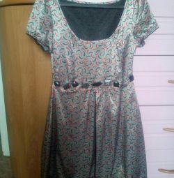 Платье шелковое 44 р