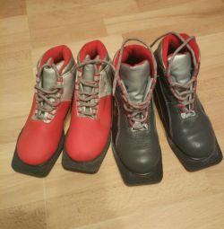 Лыжные ботинки размер 34,36.