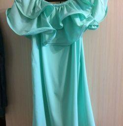Платье летнее нове р-р 42-46