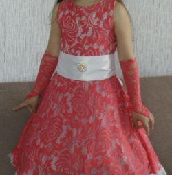 Prenses için zarif elbise