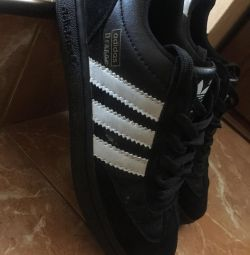 Кросівки кеди adidas