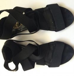 Sandals, Loriblu