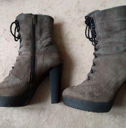 Μπότες χειμωνιάτικες δερμάτινες / φούστες σταθερές πτέρνας p.36,5