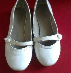 Туфли белые лаковые, кожа, Стелька 19,5см