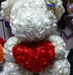 ведмедик з троянд