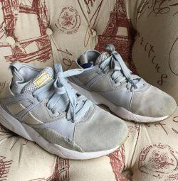 36 nehrin topuk kısmında elastik bantlı puma spor ayakkabı