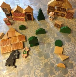 Wooden fairy tales three piglets and a wolf and kids