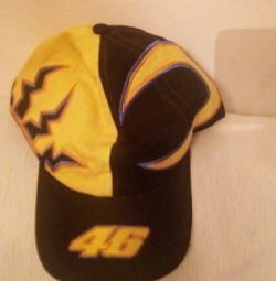 Original hat Valentino Rossi limoted edition was mocked