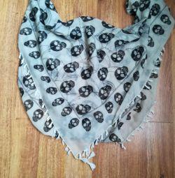 Women's scarf with skulls Kari