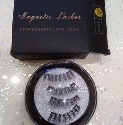 Reusable eyelashes on magnets