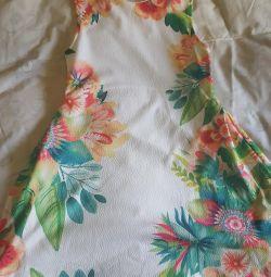 Kızlar için elbise yüksekliği 152