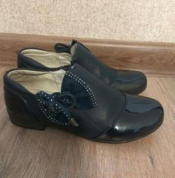 Kızlar için ayakkabı 34 kez