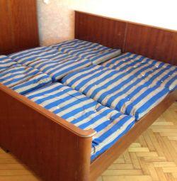 Πλάτος κρεβατιού 194 εκ