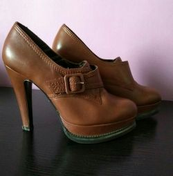 Μπότες αστράγαλο, επείγουσα, μετεγκατάσταση