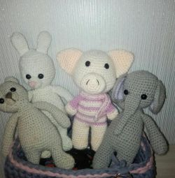 Knitted toys to order