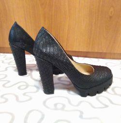 Stiletto pantofi