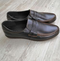 New leather shoes 42р.