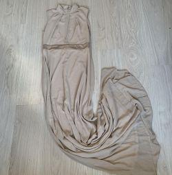 Zemine şık elbise