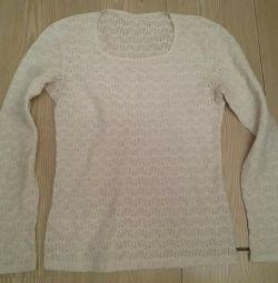 Jachetă albă, bluză