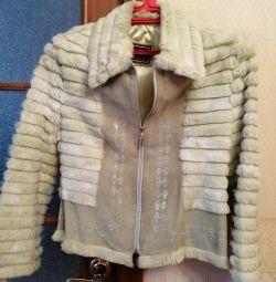 Bir tavşanla süslenmiş ceket, otomatik - bayan