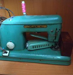 Електрична швейна машинка Тула