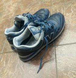 Πουλάω πάνινα παπούτσια