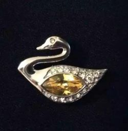 Brooch Swan with Swarovski crystals. Exchange.