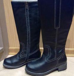 Γυναικείες δερμάτινες μπότες, 37