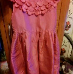 Voi vinde o rochie pentru copii
