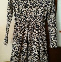 Hamile kadınlar için yeni elbise