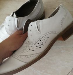 Λευκά παπούτσια ανδρών