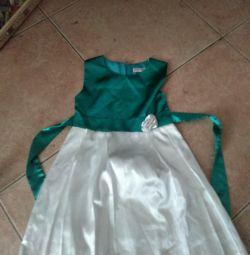 7-8 yıl için elbise