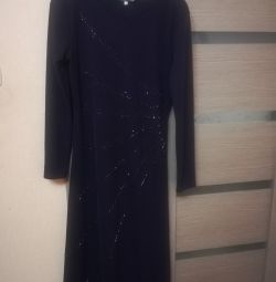 Нове вечірнє плаття