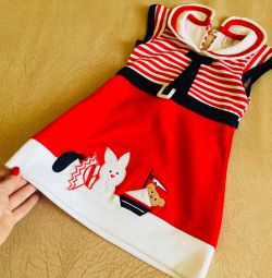 Нове вбрання на дівчинку