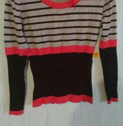 легкий светр