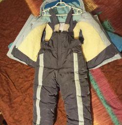 Costum de iarnă pentru un băiat (nou) 2-4 ani.