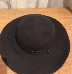 Шляпа чeрная