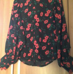 Blouse silk in good condition