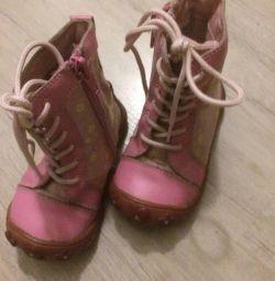 Μπότες με δαντέλες και φερμουάρ